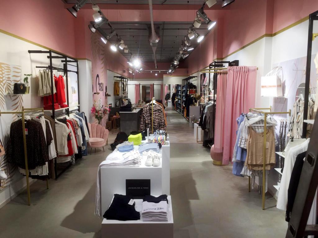 atom-retail-cosy-winke-door-de-winkel